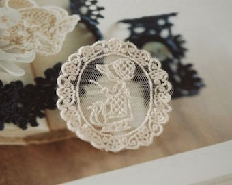 Beige Lace Appliques Retro Lovely Girl Embroideried Tulle Patches 4pcs