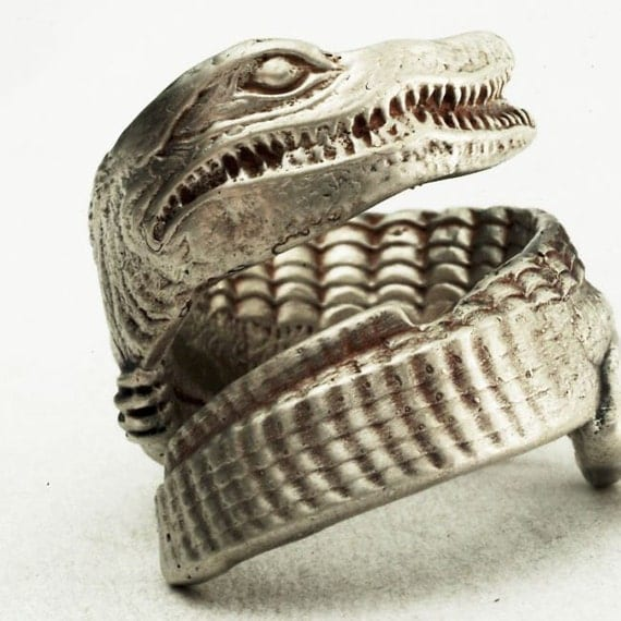Spoon Ring Detailed Vintage Alligator Souvenir in Sterling Silver, Handcrafted in Your Size (2440)