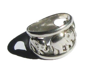 Sterling Silver Marching Elephant Fashion Ring