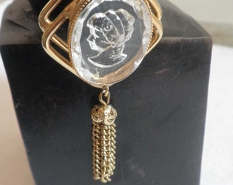 Etched Glass Retro Victorian Necklace