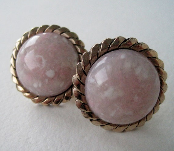 Vintage 70s Regency Hipster Goldtone Pink White Speckled Semi Precious Gemstone T Bar Cufflinks Cuff Links Domed Mens Accessory