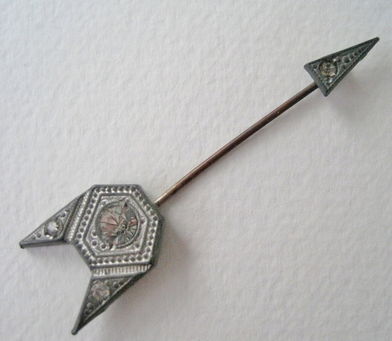 Vintage 20s Art Deco Regency Silvertone Silver Tone Clear Rhinestone Arrow Arrowhead Hat Lapel Stick Pin Brooch