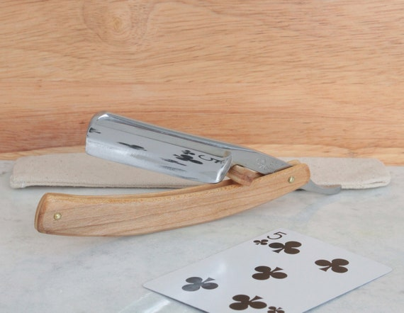 Straight razor, Cherry wood and travel pouch