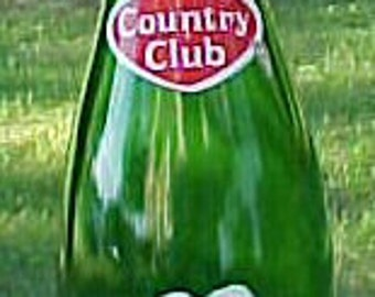 1965 Country Club Beverages Springfield, Mass., Green ACL Painted Label Crown Top Soda Bottle