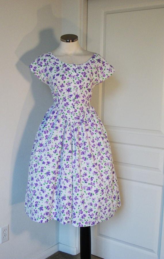 60s dress //  vintage 1960s white cotton floral garden party shirtwaist dress med