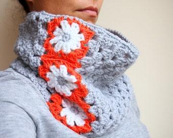 Crochet PATTERN woman cowl neckwarmer granny square flowers women scarf , DIY photo tutorial, Instant download