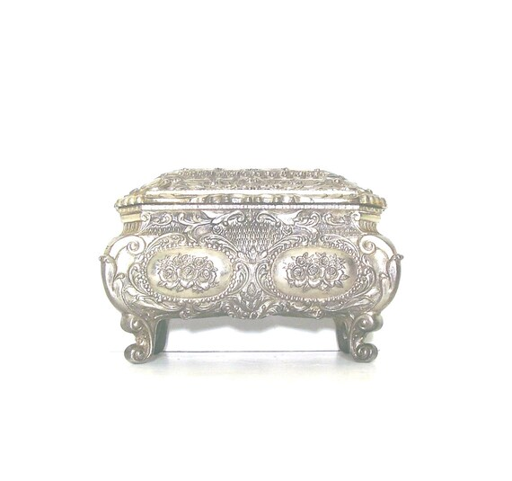 Vintage Jewelry Box, 1940s, jewelry casket, Repousse Silverplate, Art Nouveau trinket chest, Large