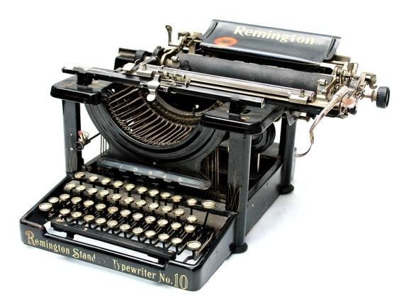 Remington Standard No 10 Typewriter - Antique Black Metal Typewriter