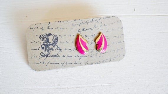 CLEARANCE Vintage pink and gold Earrings