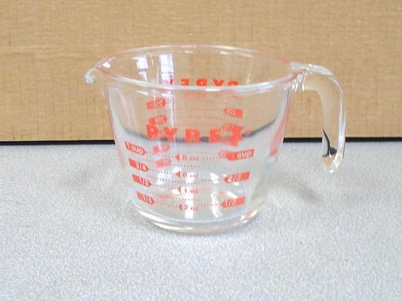 items similar to pyrex clear glass measuring cup 1 cup or 250 ml model 17 on etsy. Black Bedroom Furniture Sets. Home Design Ideas