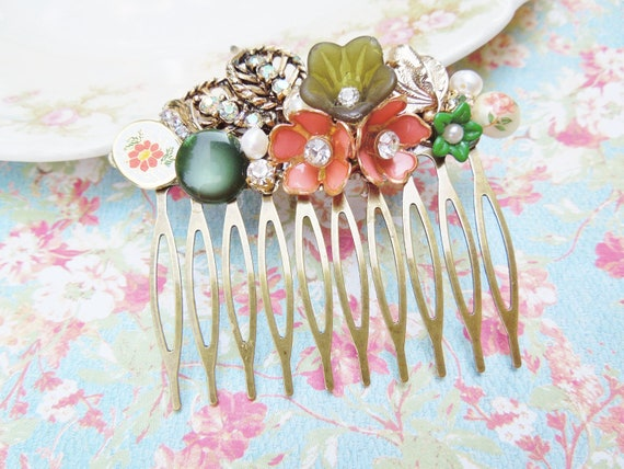 Vintage Collage Hair Comb - Coral and Jade Green Floral- Upcycled Vintage Jewlery, Shabby Chic, Bridal