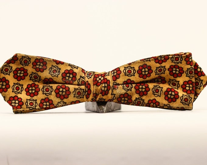 Vintage Bowtie Red Cream Bow Tie // Vintage // 3587 Mens Neckwear 1950s 1960s Accessories Hipster Tie Skinny Bow Tie Holiday Party 7E
