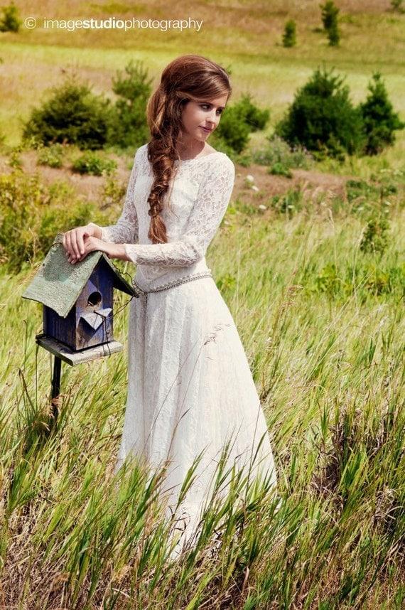 Vintage Lace Wedding Dress Camelot Renaissance style 1940s Vintage bridal gown