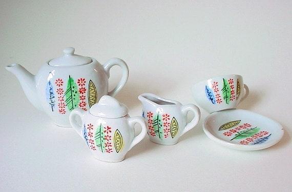 Vintage 7 Piece Child's Tea Set w/ Sweet Modern Design- Japan