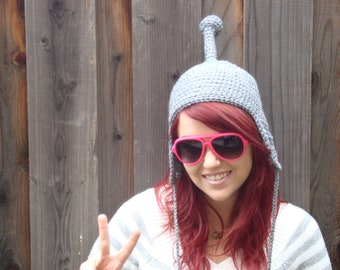 Robot hat (crochet geeky ear flap hat with antenna)