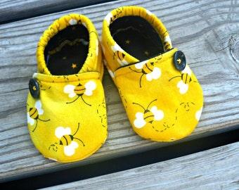 Bumble Bee Crib Shoes / Baby Girl