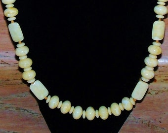 Vintage Necklace of Cream and Ivory Marbled Beads Wedding Jewelry Bridal Party Prom