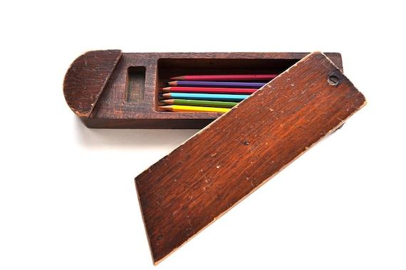 retro wooden pencil box 2