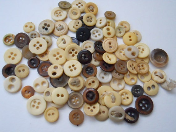Vintage Bone And Horn Buttons - 92