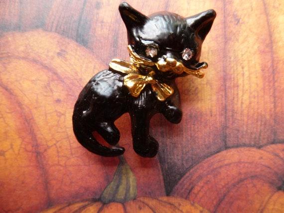 Vintage Enamel Halloween Black Cat Pin