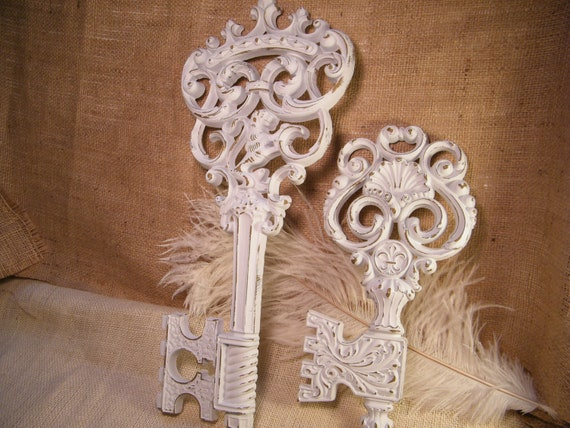 Vintage Skeleton Key Wall Art - Set of 2 - Regal Crown-Fleur De Lis-Lion Crown-Shabby Distressed -Cottage Chic