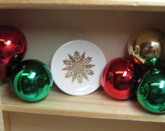 dollhouse miniature Christmas 14kt gold snowflake plate 20mm kiln fired with real 14kt gold 1:12 scale one inch