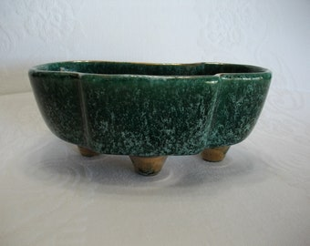 USA Pottery Green Speckled Glaze with Gold Ceramic Pottery Atomic Shaped Planter, Vintage USA Pottery