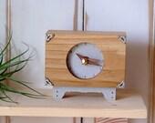 namuwana Table Clock  Leg and Corner Decoration One