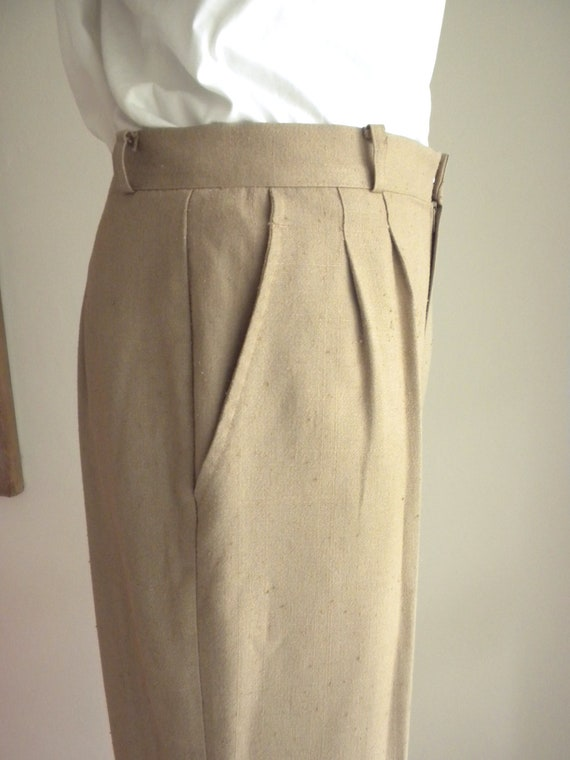 "80s Happy Legs Pants / 80s High Waisted Pleat Trousers / Size 8 High Waist 30"" x 33"" Inseam / Khaki Linen Weave Pants"