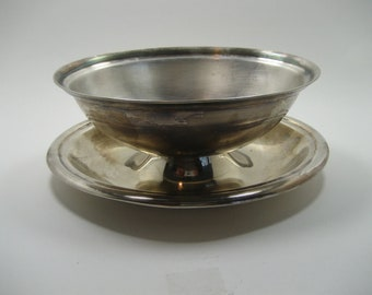 Vintage Reed and Barton Gravy Boat Dish with Attached Underplate