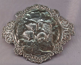 VICTORIAN STERLING SILVER cherub putti cupid repousse england applique. hallmarks . kfld maker. for your assemblage. No.001250