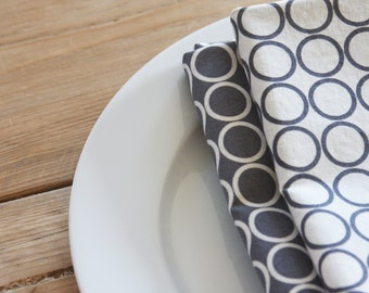 Cloth Napkins - Grey and White with circles - Set of 4 Reversible Cloth
