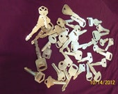 Lot One Pound (1lb) Assorted Mixed SILVER Metal House, Car Keys (40 Pieces) Steampunk Jewelry, Altered Art, Found Objects