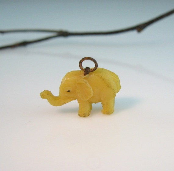 Vintage Celluloid Elephant Charm Old Time Gum Ball Machine Prize
