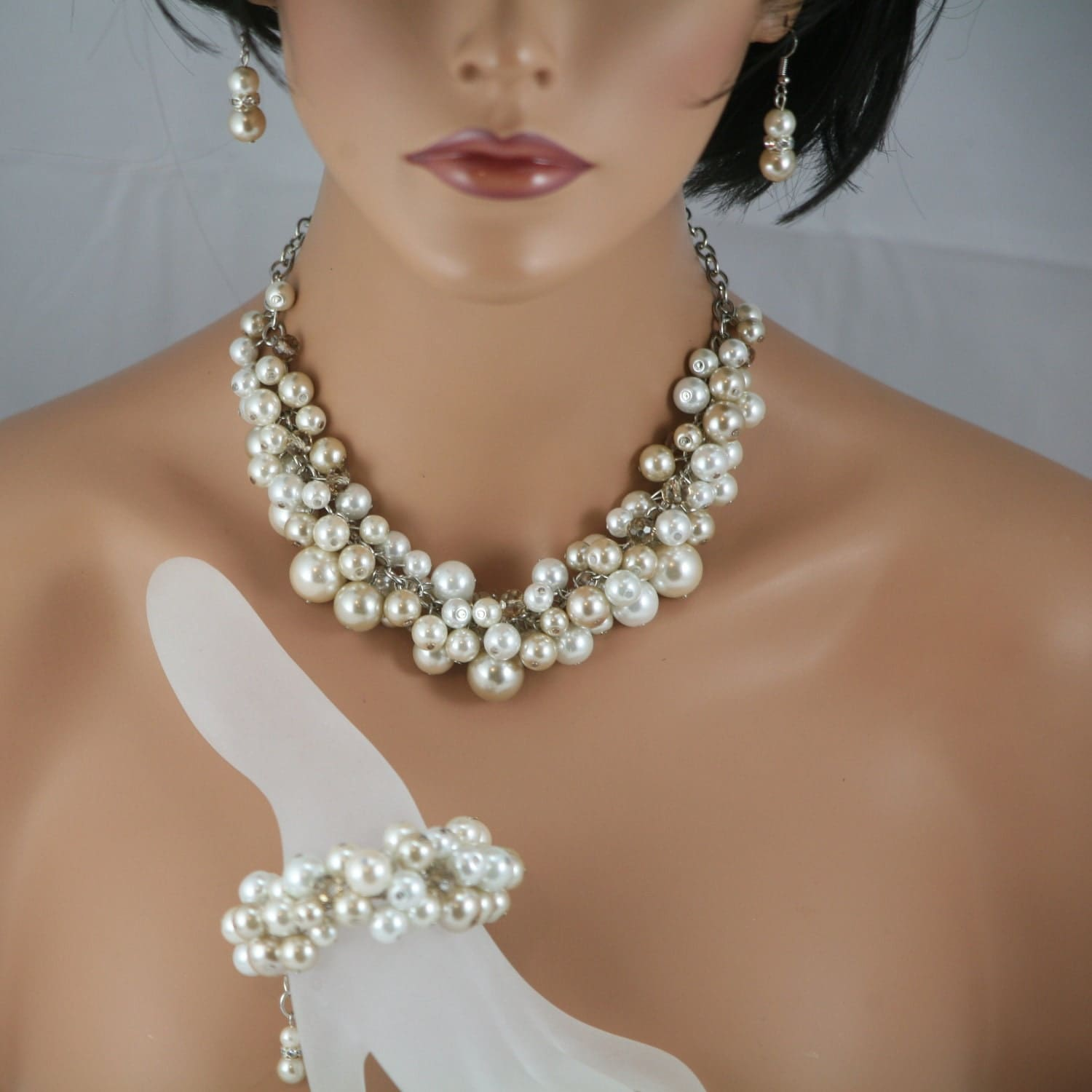 Chunky pearl necklace/bracelet/earrings champagne white and