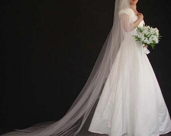 Scattered rhinestones veil/ swaroviski crystal veils/cathedral veil