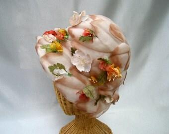 Vintage Ladies Hat Silk Flowers Leaves Cream Tan Bucket