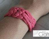 T-Shirt Celtic Knot Bracelet