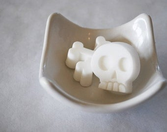 Sull and Cross Bones Soap Favors Set of 36