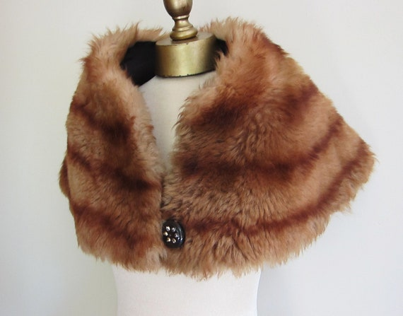1950s faux fur cape shrug collar wrap.