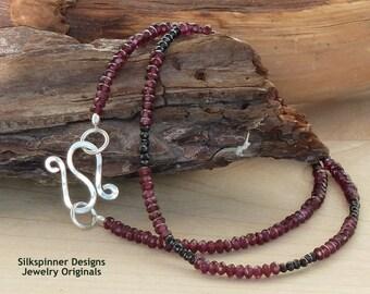 Garnet & Spinel Single Strand Necklace/ Einzel-Halskette aus Granat und Spinell