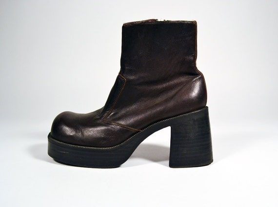 SALE 20% OFF //  Vintage 90s Brown Leather Platform Chunky Ankle Boots