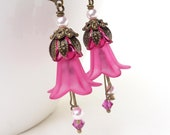 Bright pink lucite flower earrings, pink flower earrings, hot pink flower dangle earrings, beaded jewelry