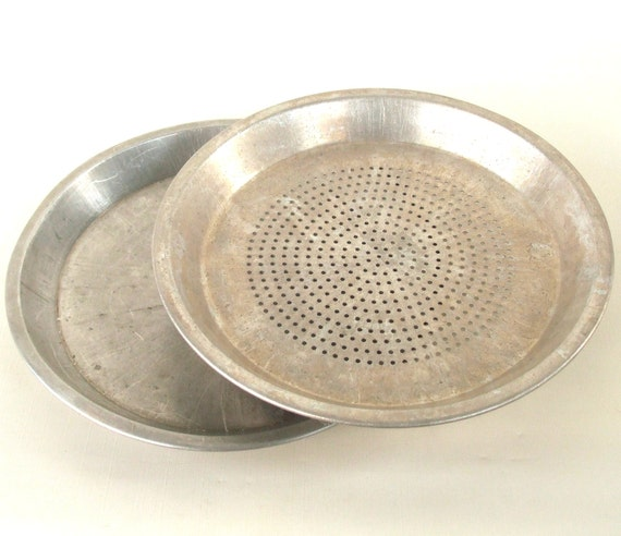 Vintage wearever pie plate with holes