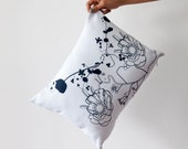 """Graphic flower pillow - hand screen printed """"Fluor Up"""" 30x40"""