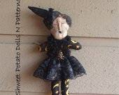 Extreme Primitive Halloween Witch Shweet T Doll