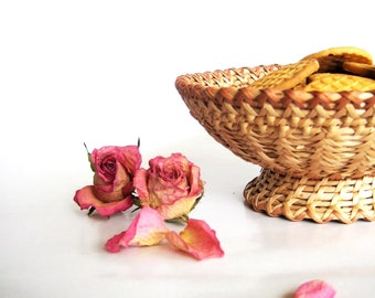 Hand woven baskets Rustic table centerpiece vessel on foot Housewarming gifts  home decor Light straw color Harvest table decor