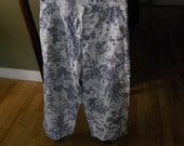 Vintage Navy Blue Toile Print - Womens Wide Leg Capri -  Size 6 -  By  Russ a Liz Claborne Co. -  Linen Cotton Fabric - SALE