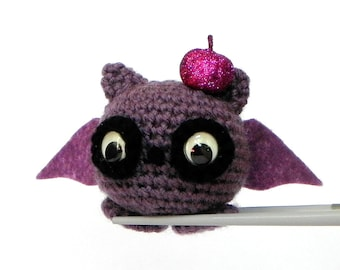 Amigurumi - Purple ball bat MochiQtie - Crochet amigurumi stuffed mini toy doll