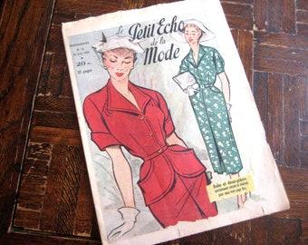 French Paper Ephemera Magazine 1952 - Petit Echo de la Mode French Fashion